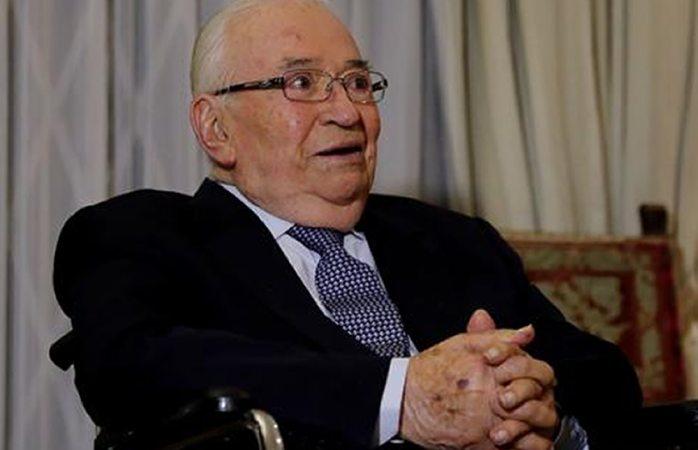 Hospitalizan al expresidente Belisario Betancur
