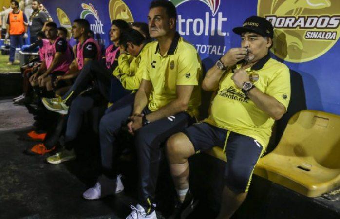 Anuncia auxiliar de Maradona su salida del cuerpo técnico