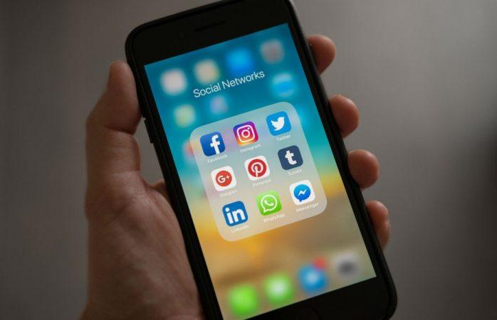 Cobrará Francia impuestos a facebook, apple, amazon, entre otras