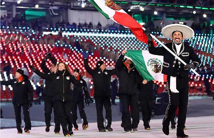 De charros desfila delegación mexicana en Pyeongchang