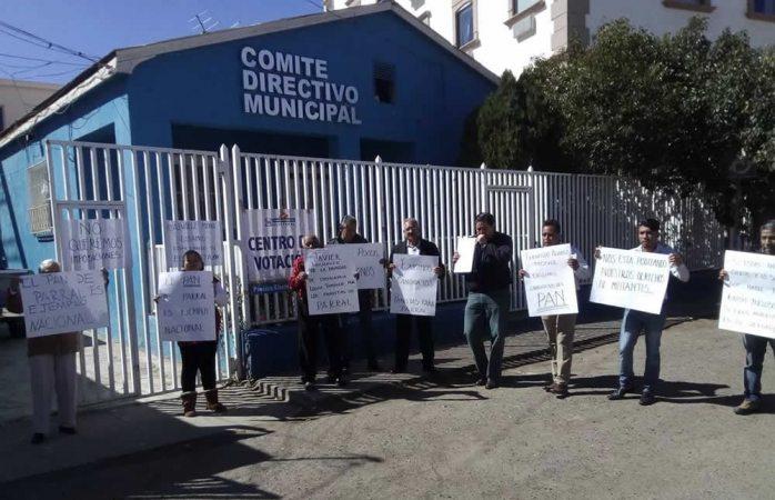 Funcionario estatal se manifiesta en contra de Corral y CDE del PAN