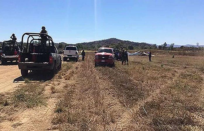 Mueren dos chihuahuenses al desplomarse avioneta en Sinaloa
