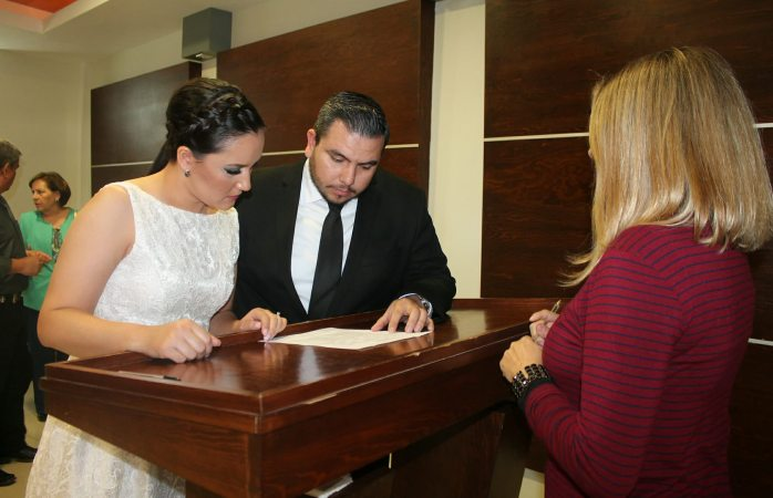 Se apuntan 2 mil 238 parejas para matrimonios colectivos