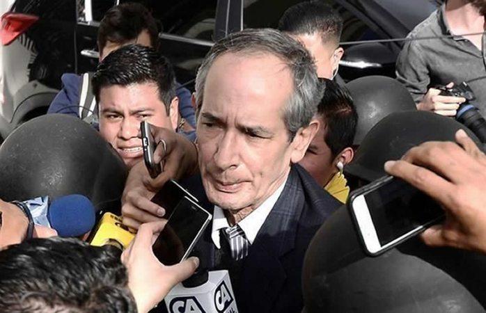Detienen a expresidente de Guatemala por corrupción