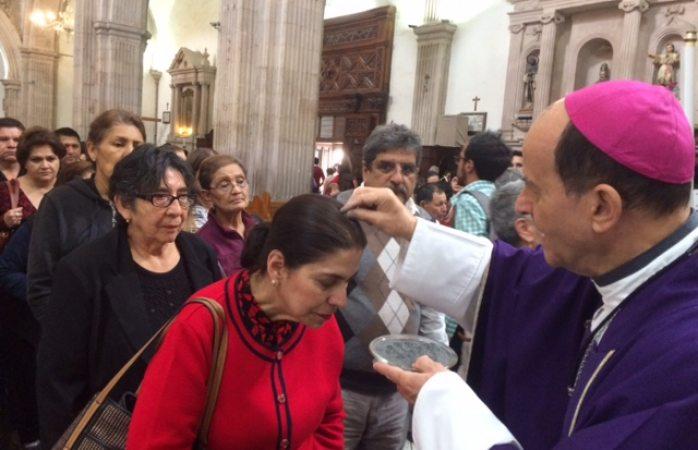 Cuando ayunes no pongas cara triste, es una hipocresía: Arzobispo