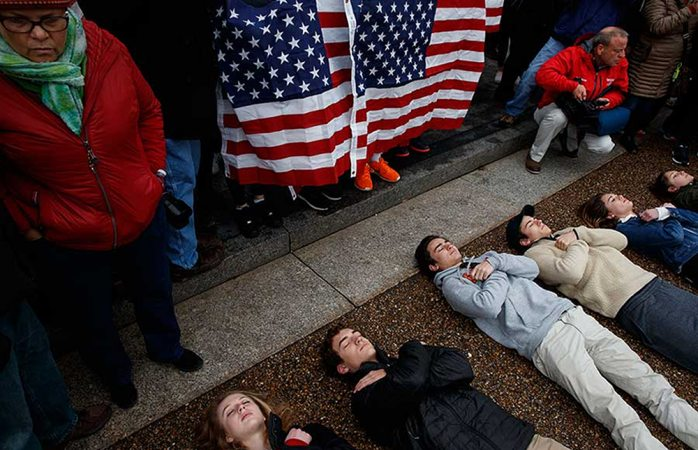 Protestan estudiantes en EEUU por un control de armas