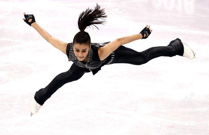 Vídeo: Ivett Toth, la patinadora que Rockeó con AC/DC en el hielo olímpico