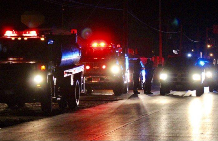 Genera gran movilización auto incendiado en carretera a Aldama