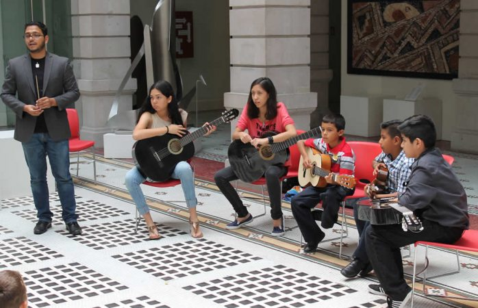 Invita Casa Chihuahua a taller de guitarra multinivel