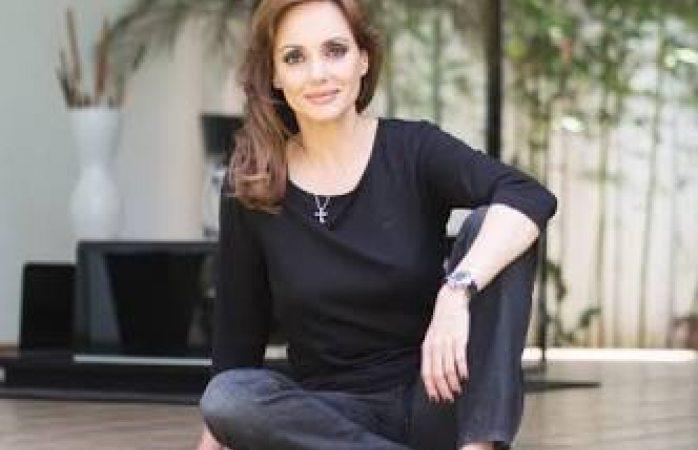 Lilly Téllez buscará senaduría por Morena