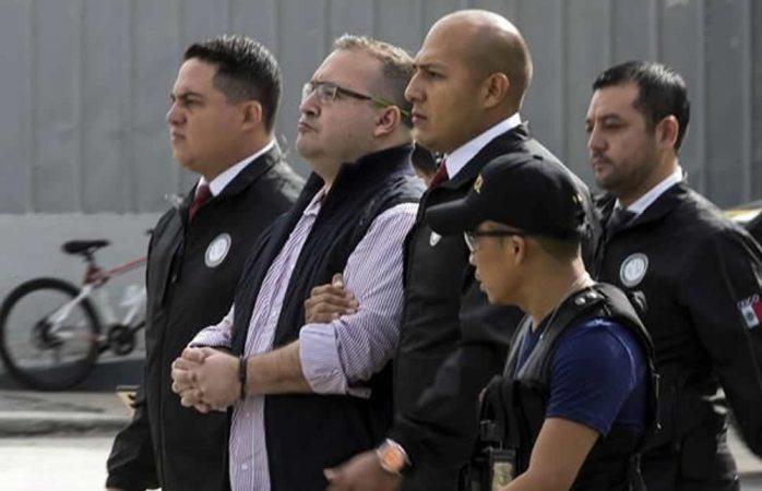 Impugna Javier Duarte negativa de amparo