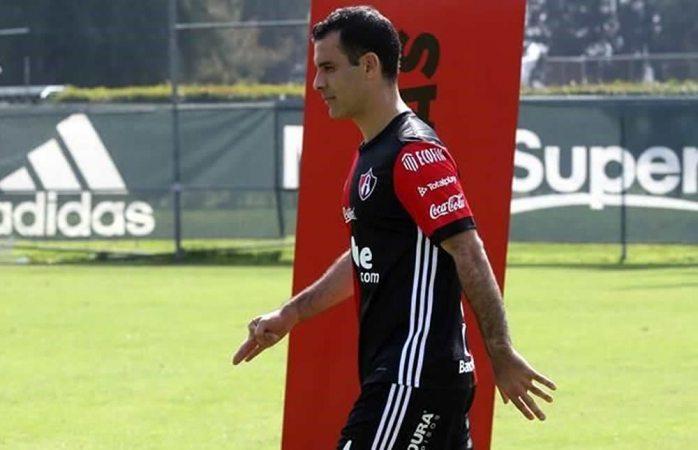 Amparan a empresa del futbolista Rafa Márquez