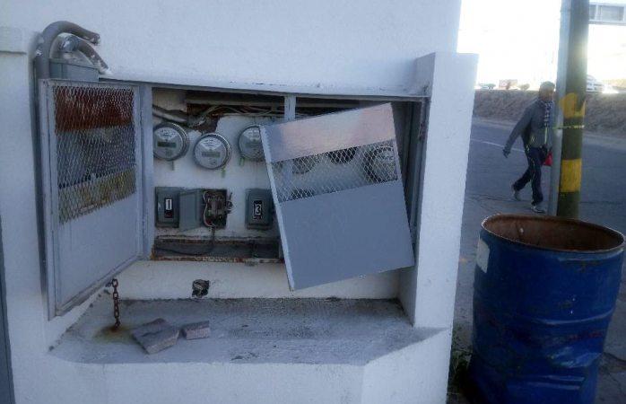 Vandalizan instalaciones eléctricas en locales