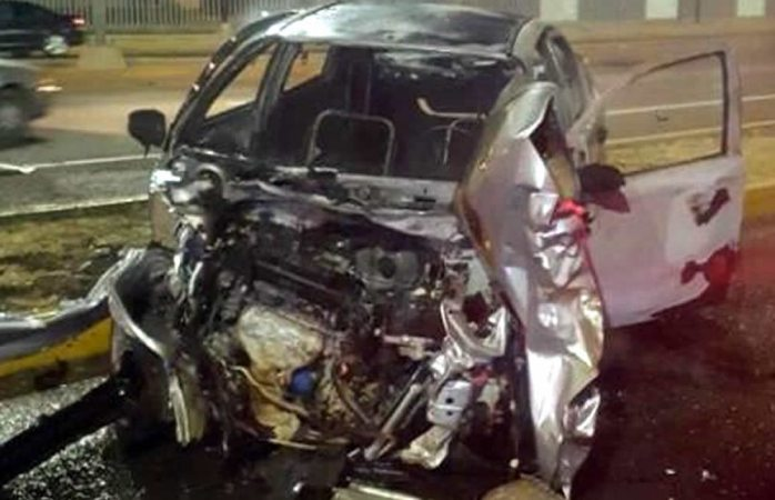 Se incendian vehículos tras choque en Cuauhtémoc