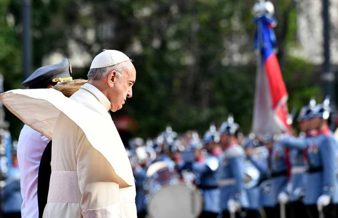 El Papa pide perdón en Chile por abusos a niños