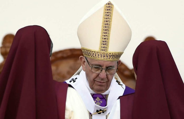 Monjas chismosas, peores que terroristas: papa Francisco
