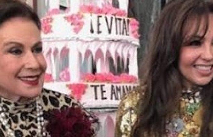 Laura Zapata y Thalía se reencuentran en el cumple 100 de su abuela