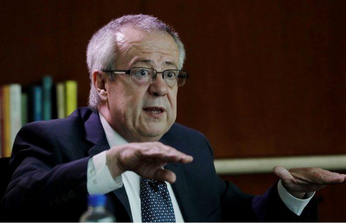Gasolina sólo subirá por inflación: Carlos Urzúa