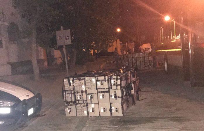 Abandonaron paquetes electorales en plena calle