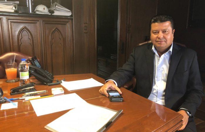 Ya está Armando Cabada en despacho presidencial