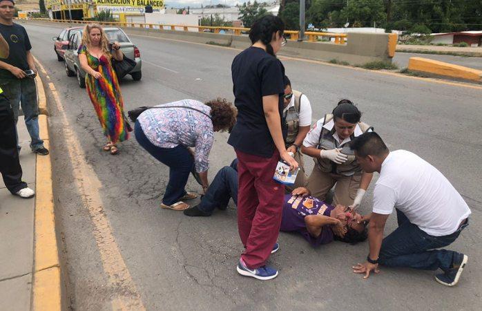 En Vivo: cruza sin precaución y termina arrollado en el Fuentes Mares