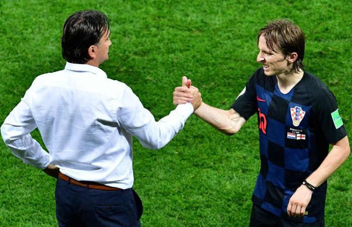 Debe ganar el balón de oro: DT de Croacia sobre Modric