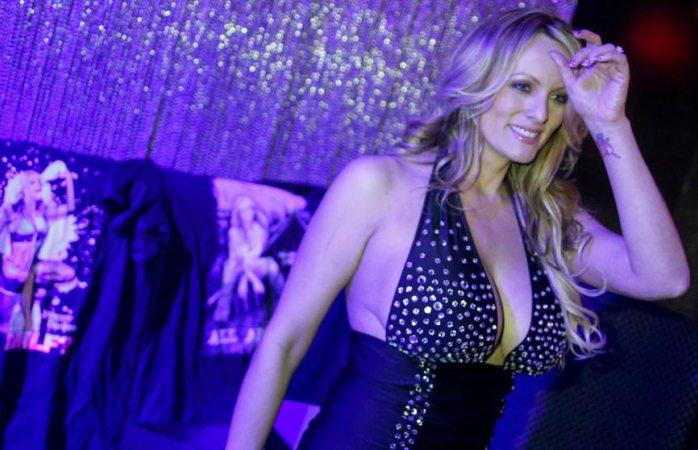 Detenida Stormy Daniels en un club de striptease en Ohio por dejarse tocar