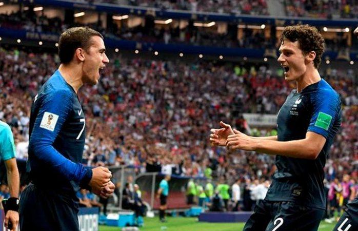 Al medio tiempo de la final, Francia aventaja a Croacia 2-1