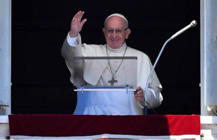Vaticano desmiente participación del Papa en foros para la pacificación del país