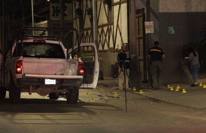 Lesionados dos agentes de la estatal tras ataque; uno de gravedad