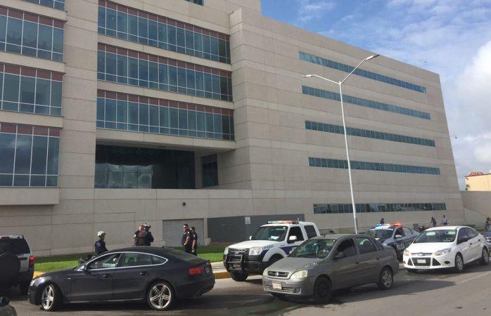 Denuncian ilegalidad en estacionamiento del TSJ