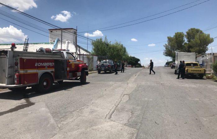 Sofocan bomberos incendio de tanque en Porfirio Diaz y 116