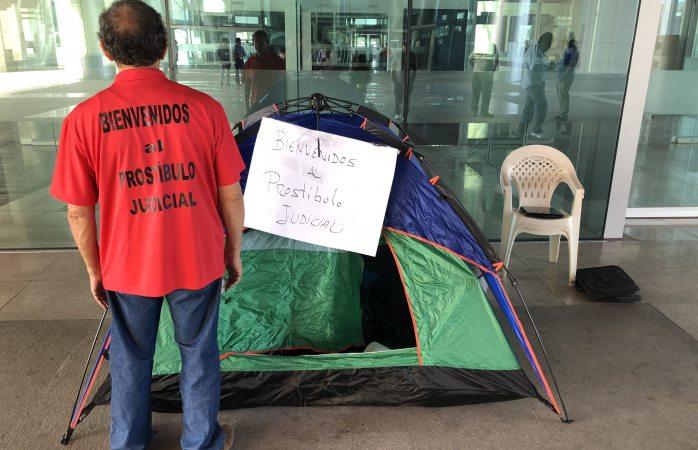 Inicia Gerardo Cortinas huelga de hambre en el TSJ