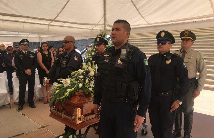 Rinden homenaje a policía estatal asesinada