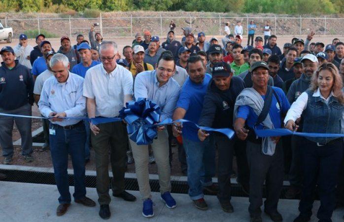 Inaugura Alcalde patio para resguardo y mantenimiento de camiones recolectores