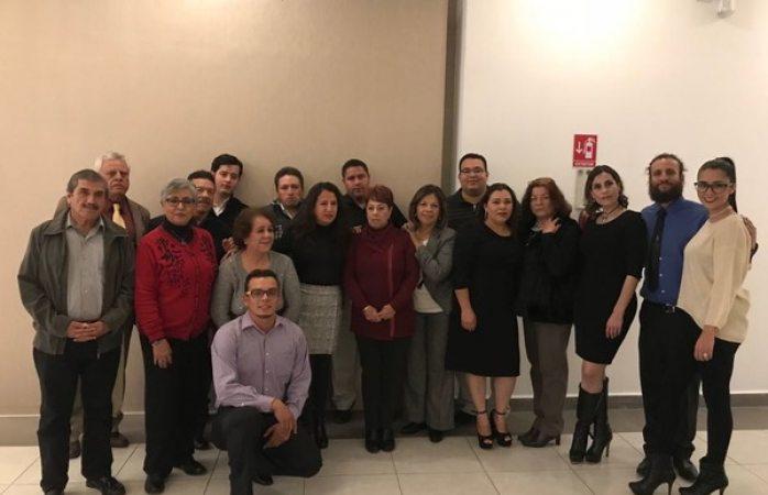 Felicita ICM a bibliotecarios del municipio en su día