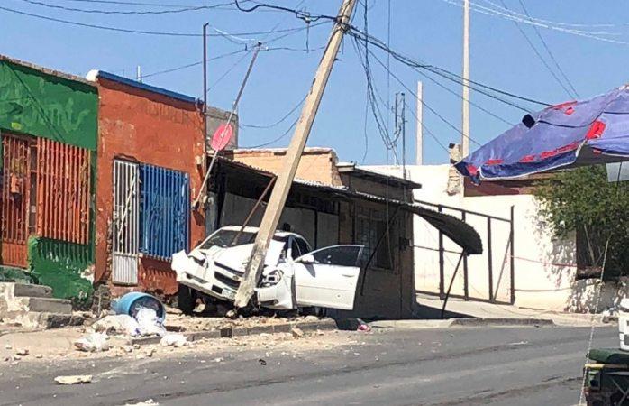 Las acribillan y chocan vs poste; detienen a agresores en Juárez