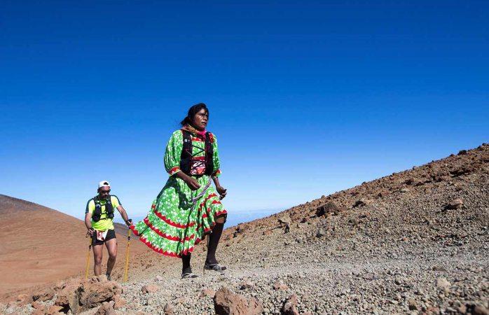 Rarámuri roba reflectores en ultramaratón europeo