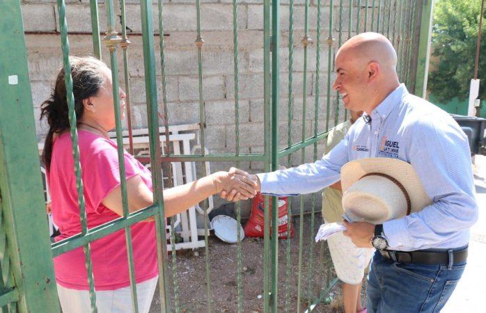 Visita Miguel La Torre las colonias Minita, Puerta del Sol y Madera 65