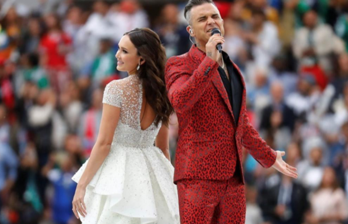 Galería y vídeo; espectacular Robbie Williams y Aida Garifullina en Rusia 2018