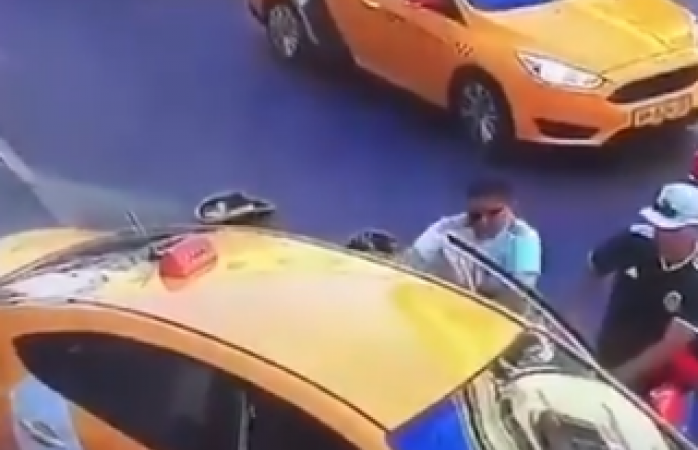 Taxi que embistió a varios en Rusia no tenía permiso
