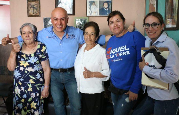 Convive Miguel La Torre con club del abuelo Colibrí