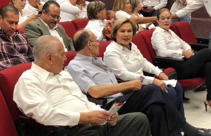 Asiste Adriana Terrazas a foro Estado Libre y Soberano de Juárez