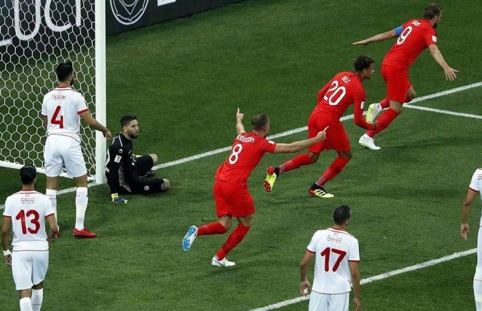 Gana Inglaterra con gol agónico a Túnez