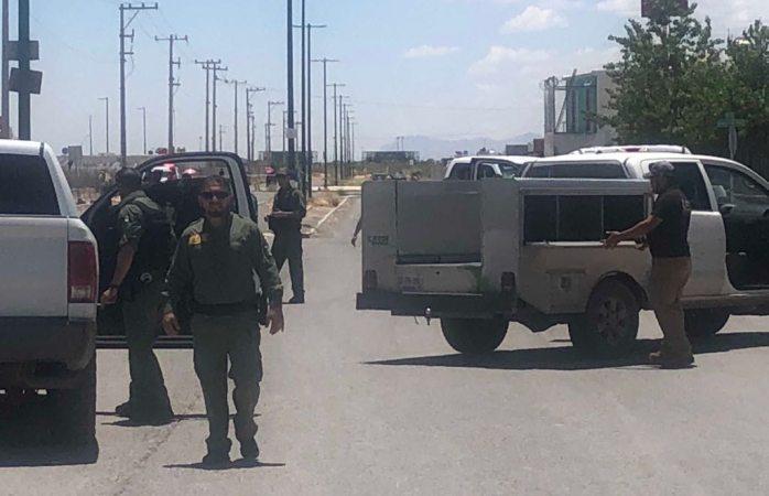 Lo ejecutan y cadáver queda tirado en parque en Juárez