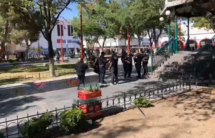 Lo arrodillan para ejecutarlo frente a catedral de Juárez