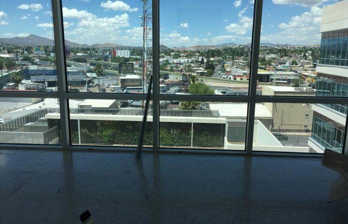 Presumen nuevas oficinas con vista panorámica de consejera