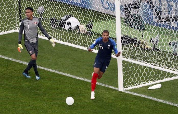 Asegura Francia boleto y echa a Perú del mundial