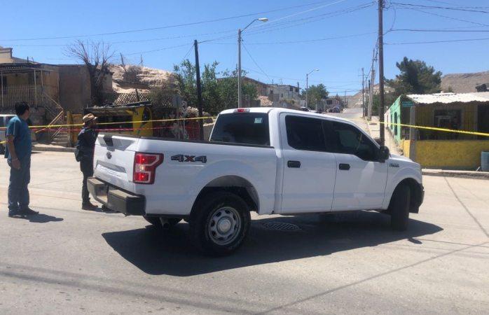 Matan a uno y abandonan su cuerpo en tapia en Juárez