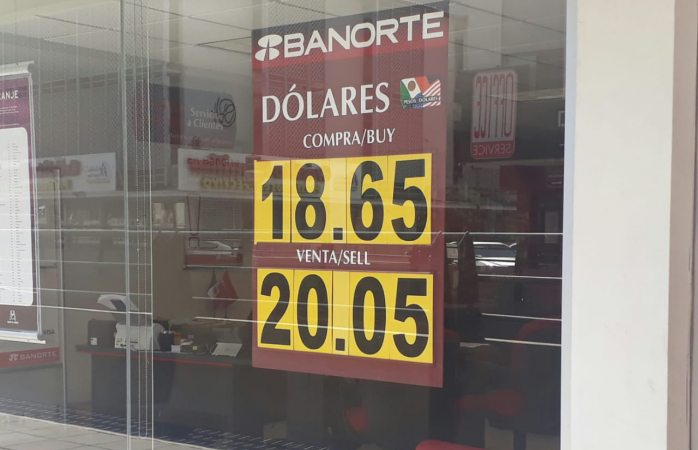 Baja 60 centavos dólar este viernes